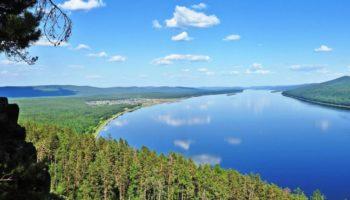 Вблизи Байкала разлилась нефть. Введен режим ЧС 37