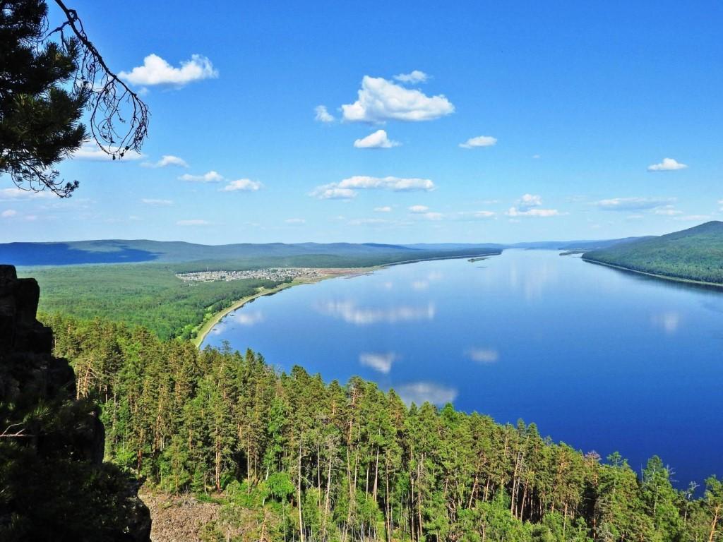 Вблизи Байкала разлилась нефть. Введен режим ЧС 1