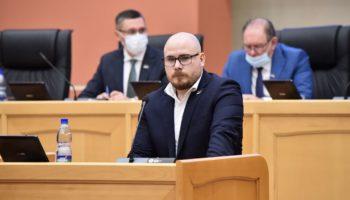Депутат «Зелёной Альтернативы» в Коми Виктор Бетехтин предложил выплачивать россиянам безусловный базовый доход 103