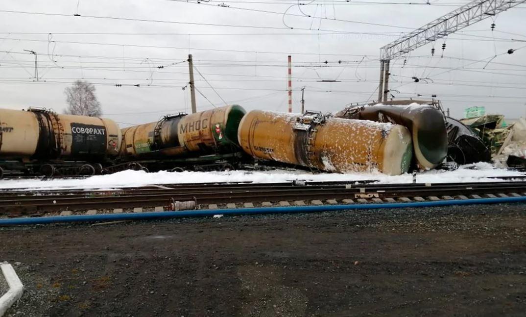 Разлив нефтепродуктов на ж/д станции в Новосибирской области 1